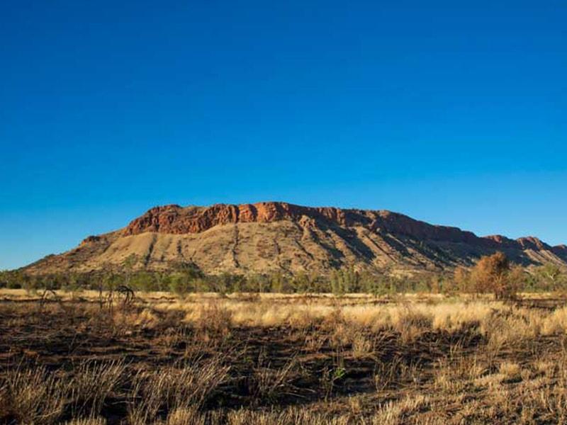 Alice Springs MacDonnell Ranges Australie en Van