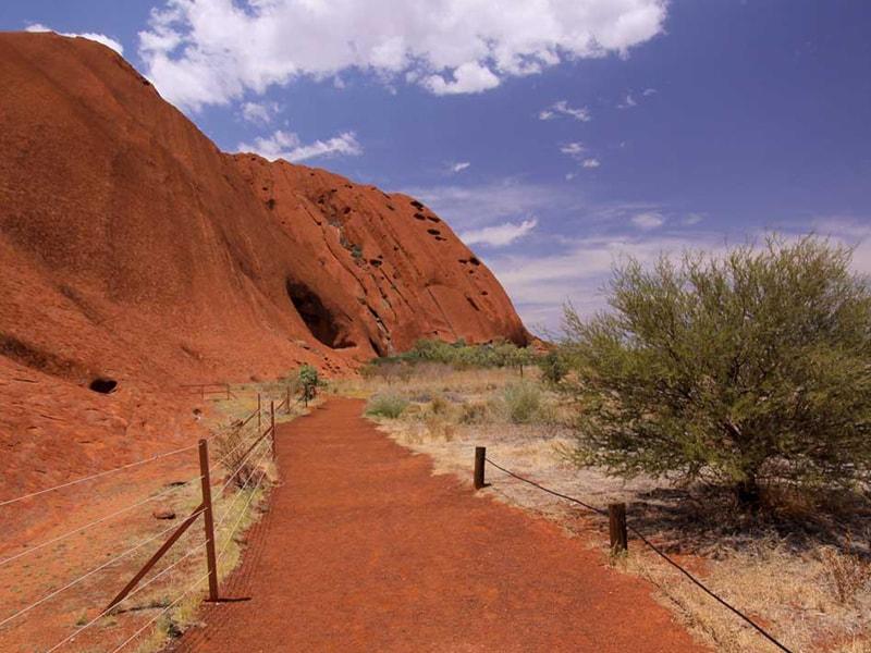 marche Uluru Australie
