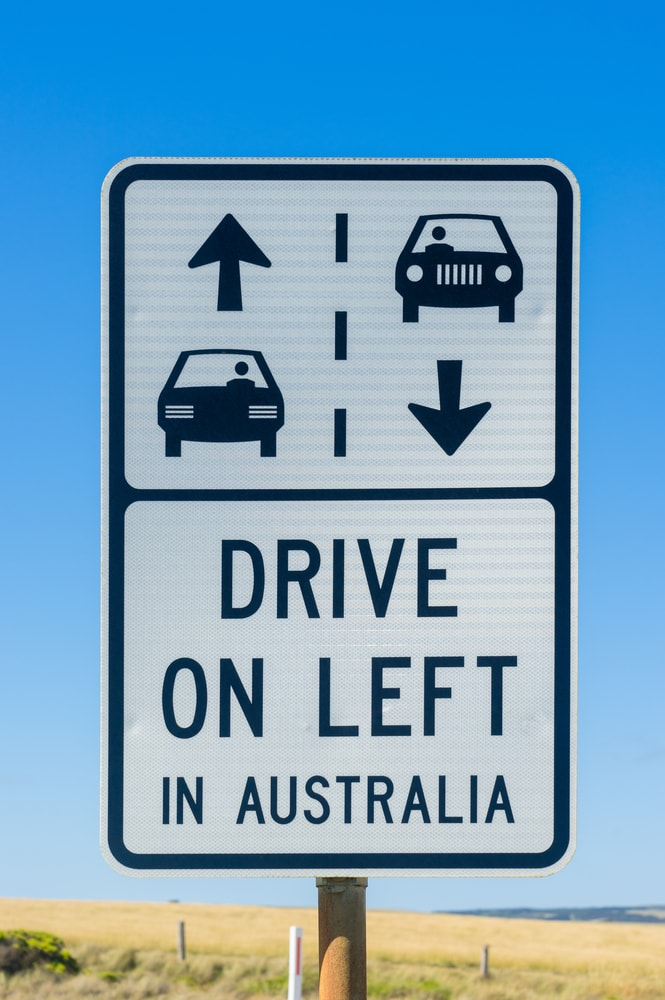 panneau drive on left in australia